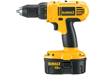DC759KA - Heavy-Duty 1/2 in. (13mm) 18V Cordless Compact Drill/Driver Kit