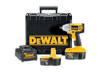 DW057K-2 - Heavy-Duty 1/2 in. (13mm) 18V Cordless Impact Wrench Kit